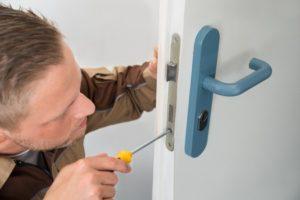 locksmith working. Doral Locksmith Working